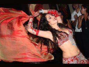 דפנה שחר רקדנית בטן לחתונה