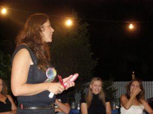 שרון צרפתי - סקסולוגית למסיבת רווקות - סקסולוגית מצחיקה לימי הולדת למבוגרים