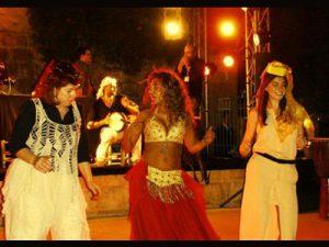 הילה ריחני רקדנית בטן לחינה