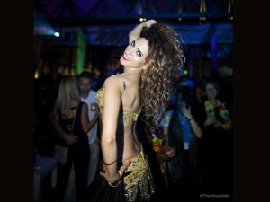 הילה ריחני רקדנית בטן לחתונה