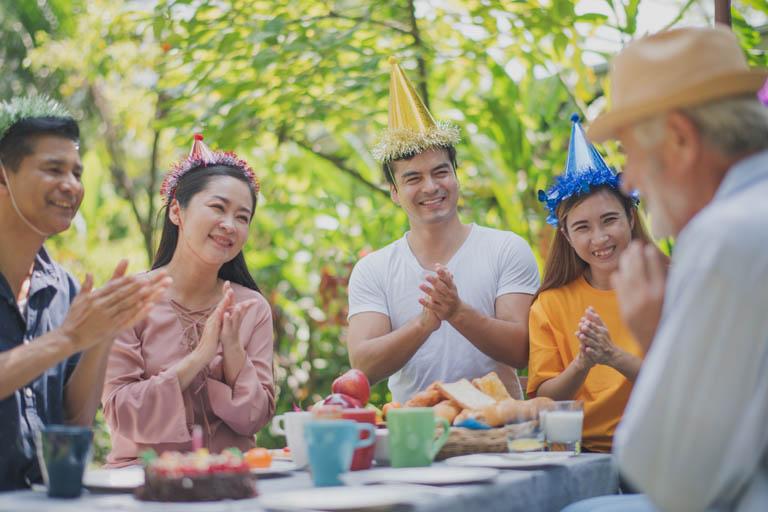 איך לעשות יום הולדת שמח למבוגרים – מאמר 4 מרץ 20, 2021