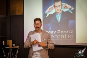 יואב פרץ אמן חושים לאירועים פרטיים ועסקיים